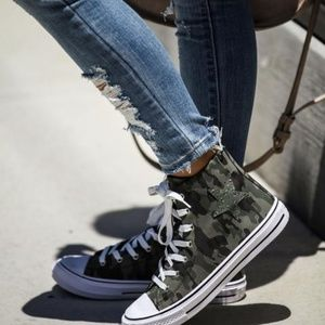 NEW IN BOX VICI CAMO HIGH-TOP SNEAKERS
